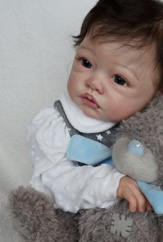 Reborn baby doll Darina from rare limited doll kit Claire,skulpt Romie Strydom