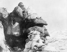 An observation post on Monte Nero, Isonzo Front. Italijanska opazovalna točka na Krnu