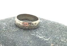 bague  anneau argent vintage. par madewithloveinaiaciu sur Etsy