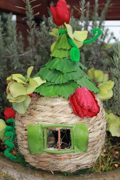 These are actual FAIRY houses that were constructed using the DIY FAIRY HOUSE KIT See examples of how cute and easy it is to creat a beautiful house for your fairy! Fairy Garden Houses, Gnome Garden, Fairy Gardens, Diy Fairy House, Fairy Village, Bird Houses Diy, Fairy Crafts, Fairy Furniture, Gnome House