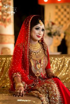 Look stunning in this amazing Pakistani bridal wear collection! For the elegant and chic bride who loves to experiment! Wedding Wear, Wedding Attire, Wedding Bride, Wedding Dresses, Wedding Outfits, Wedding Pics, Indian Bridal Outfits, Pakistani Bridal Dresses, Bridal Gowns