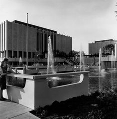 Exterior of LACMA, ca. 1965. The original reflecting pools had to be filled in and covered when tar from the La Brea tar pits began to seep in.