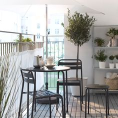 Balkon Modern Outdoor Flooring Ideas for Functional and Beautiful Balcony Designs – Balkon ideen Ikea Outdoor, Small Outdoor Spaces, Outdoor Balcony, Outdoor Seating Areas, Small Patio, Small Spaces, Outdoor Rugs, Outdoor Dining, Indoor Outdoor