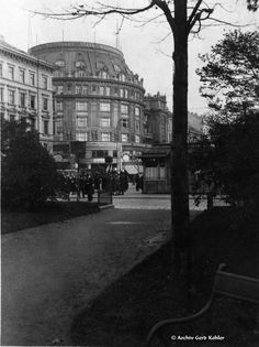 Wien - Zentralpalast, Warenhaus Stafa, 1935 Budapest, Black White Photos, Black And White, Pen And Paper, Homeland, Vienna, Hungary, Old World, Austria