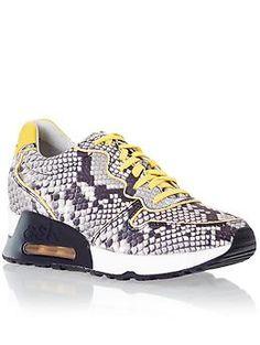 c1e033dddb5de5 57 Best Sneakers Love images