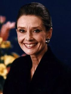 Audrey Hepburn (May 4, 1929 – January 20, 1993) So pretty!