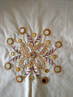 Zardozi Embroidery, Kurti Embroidery Design, Embroidery Neck Designs, Basic Embroidery Stitches, Hand Work Embroidery, Baby Embroidery, Simple Embroidery, Indian Embroidery, Hand Embroidery Stitches