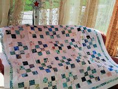 Hochwertige Unikat Patchworkdecke / Quilt aus Designer Qualitätsstoffen, farblich liebevoll abgestimmt, fein abgesteppt Vintage Stil, Designer, Quilts, Blanket, Round Round, House, Ideas, Quilt Sets, Blankets