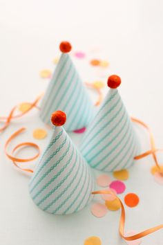 { d.i.y. } party hats w/ free printable