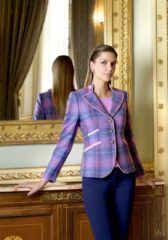 Colmers Hill Fashion an Independent Fashion Boutique. Colmers Hill Fashion Boutique are Featured in Love Our Shops Uk Shopping Directory. Tweed Blazer, Tweed Jacket, Womens Fashion Online, Womens Fashion For Work, Sandwich Clothing, Opening A Boutique, Daytime Outfit, Classic Chic, Fashion Boutique