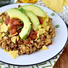 Gluten-free Homemade Crunchy Taco Hamburger Helper is hearty yet much healthier than the boxed version. Plus it's made in just 1 skillet and ready in 30 minutes. Corn Dog Muffins, Beef Dishes, Food Dishes, Main Dishes, Tamales, Quesadillas, One Pot Meals, Easy Meals, Enchiladas