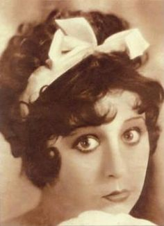 the real betty boop. silent film actress, miss helen kane. never received royalties or credit for them. she began in vaudeville.