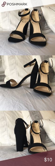 Black heels These are never worn black heels really cute and comfty Shoes Heels