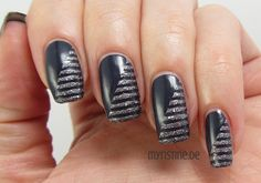 Grey Structured Nails mit Strict (P2, Sand Style Polish)