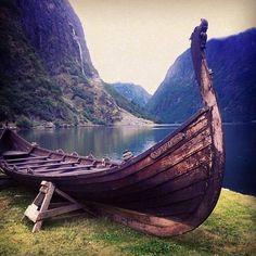 Gudvangen in Sogn og Fjordane, Norway. Norwegian Vikings, Nordic Vikings, Viking Dragon, Viking Ship, Viking Life, Viking Art, Viking People, Viking Longship, Medieval