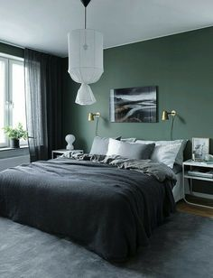 Green wall design: How to use color effectively - DECO HOME - green-wall paint -… Informations About Wandgestaltung Grün: So setzen Sie die Farbe effektvoll ei - Modern Mens Bedroom, Home Decor Bedroom, Home Bedroom, Green Wall Design, Home Decor, Mens Bedroom, Modern Bedroom, Bedroom Wall, Green Bedroom Walls