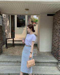 Kpop Fashion Outfits, Korean Outfits, Modest Fashion, Skirt Fashion, Korean Girl Fashion, Korean Street Fashion, Ulzzang Fashion, Conservative Outfits, Minimalist Fashion Women