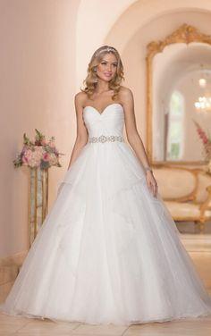 5989 Designer Wedding Dress Ball Gown by Stella York