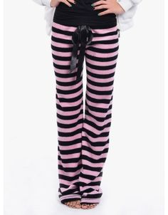 Cute Pajamas and Loung Wear Cute Pjs, Cute Pajamas, Lounge Outfit, Lounge Wear, Lounge Pants, Comfy Pants, Comfy Clothes, Fall Winter Outfits, Stripes