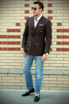 Will be searching for a similar dark color double breasted blazer.