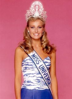 mISS uNIVERSO 1984 DE SUECIA Yvonne Agneta Ryding (14 de diciembre de 1962, Eskilstuna Suecia) es una modelo y reconocida reina de belleza ganadora de Fröken Sverige 1984 y Miss Universo 1984 siendo así la tercera reina sueca en ser coronada Miss Universo