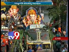 Hundreds of Ganesh idols immersed at Hussain Sagar