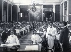 Ayuntamiento de Manila interior during the session of the Taft mission held at the Marble Hall early Philippines Fashion, Philippines Culture, Manila, Intramuros, Filipino Fashion, Filipino Culture, Filipiniana, Spanish Culture, How To Speak Spanish