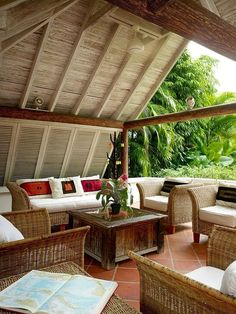 What an amazing outdoor living space Porch And Balcony, Home Porch, Indoor Outdoor Living, Outdoor Rooms, Outdoor Decor, Porches, Lawn And Landscape, Outdoor Settings, My Dream Home
