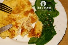 Stuffed calzone omelette recipe! Super tasty! Omelette Recipe, Calzone, Tasty, Chicken, Meat, Recipes, Food, Tortilla Recipe, Recipe For Omelette