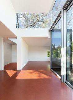 Der Boden ist mit einer Polyurethanbeschichtung verarbeitet | Gatermann + Schossig Architekten ©Jens Willbrand Photographie, Köln