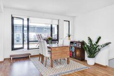 FINN – Strøken leilighet over 2 plan med sørvestvendt takterrase på 21 kvm.Fjernvarme, balansert ventilasjon og carport