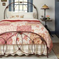 Кованая кровать в современных интерьерах | Colors.life