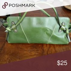 💰Reduced Price Matt & Nat Vegan Purse Green matt & nat purse is 100% vegan, made from pvc materials. Purse is in fair condition but still has a lot of life to to it! matt & nat Bags Satchels