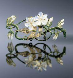 René Lalique, Jasmin Corsage ornament - 1899-1901 - Private Collection Shai and Shuxiu Lin Bandmann - Art Nouveau