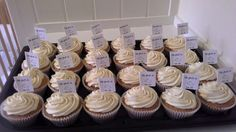 Engagement cup-cakes