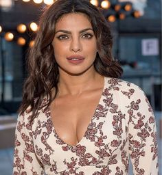 bollywood hot actress priyanka chopra latest image gallery at New York fashion week showing her hot cleavage Bollywood Actress Hot, Beautiful Bollywood Actress, Most Beautiful Indian Actress, Bollywood Stars, Bollywood Bikini, Indian Bollywood, Bollywood Fashion, Priyanka Chopra Sexy, Actress Priyanka Chopra