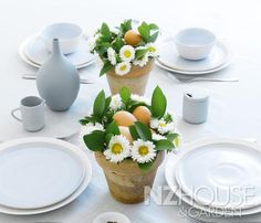 Easter gift or table decoration Garden News, Simply Filling, Easter Traditions, Easter Table, Easter Gift, The Conjuring, Wine Recipes, Hard Boiled, Boiled Eggs