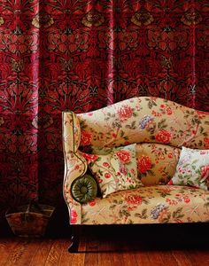 mobilier : canapé fleuri flo-ho