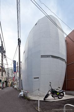 Modern Architecture Tokyo modern single family house with floor-to-ceiling glass windows is