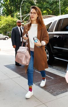 Jessica Alba wearing Vince Warren Leather Sneakers, Amo Babe Jeans in Dive Bar, Tod's Wave Bag in Pink and The Great. House Coat in Chestnut