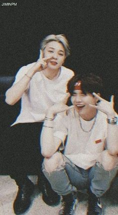 Exxuse me, who thought it'd be a good idea to put my bias and my bias wrecker next to each other? Bts Suga, Bts Bangtan Boy, Bts Boys, Bts Memes, Bts Ships, Taehyung Cute, Yoonmin Fanart, Foto Jimin, Bts Aesthetic Pictures