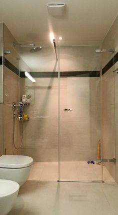 Unsere Duschen zeichnen sich durch die Qualität der Montage und die Leidenschaft aus, in die wir investieren. Montage, Bathtub, Bathroom, Shower Cabin, Separate, Showers, Investing, Passion, Draw