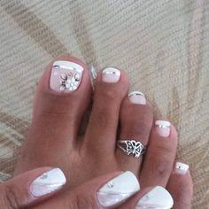 Unhas do Pé Decoradas , glittertoenails Pretty Toe Nails, Cute Toe Nails, Pretty Toes, Fancy Nails, My Nails, Flower Toe Nails, Glitter Toe Nails, Toe Nail Color, Toe Nail Art