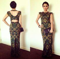 Gorgeous yet Stunning! Batik Fashion, Ethnic Fashion, African Fashion, Lolita Fashion, Emo Fashion, Blouse Batik, Batik Dress, Traditional Fashion, Traditional Outfits