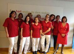 De dames van de poli cardiologie van het TweeSteden ziekenhuis geven vandaag alvast gehoor aan de Dress Red Day. - https://www.tweestedenziekenhuis.nl/script/P_nieuws-detail.asp?ID=857