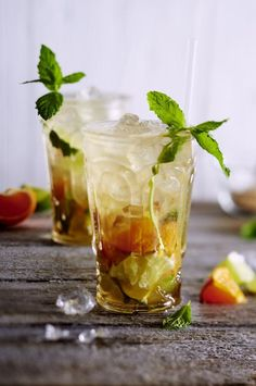 Unser beliebtes Rezept für Mandarinen-Mojito und mehr als 55.000 weitere kostenlose Rezepte auf LECKER.de.