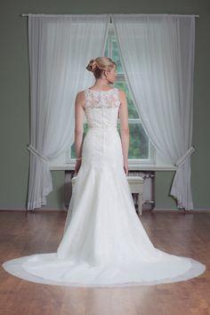 Mecco hääpukuMW10063 Wedding Dresses, Fashion, Bride Dresses, Moda, Bridal Wedding Dresses, Fashion Styles, Weding Dresses, Dress Wedding, Wedding Dressses