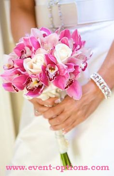 the perfect white and pink bouquet  #thebigday #emotional #prettyinpink