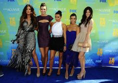 Kendall and Kylie Jenner Attend the 2011 Teen Choice Awards With Sisters Kim, Kourtney and Khloe Kardashian