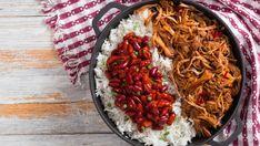 Pomaly pečené hovädzie líčka | Recepty.sk Chili, Soup, Beef, Ethnic Recipes, Meat, Chile, Soups, Chilis, Steak